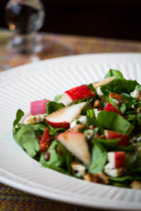 Spinich salad with Apples, Pecans and Blue Cheese