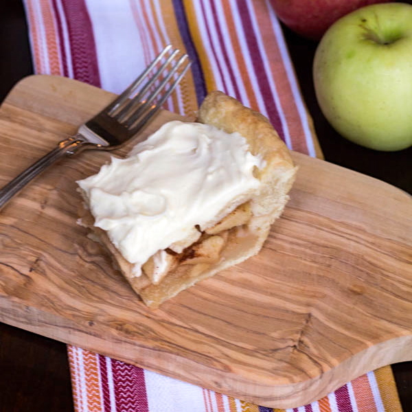 Apple Pie straight on cropped