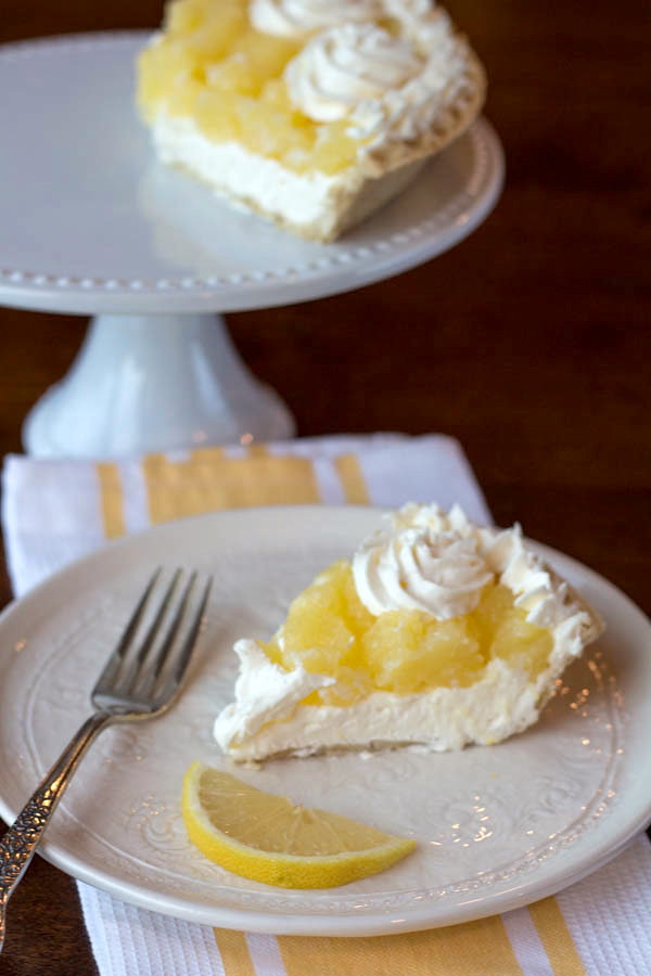 lemon pie with stand