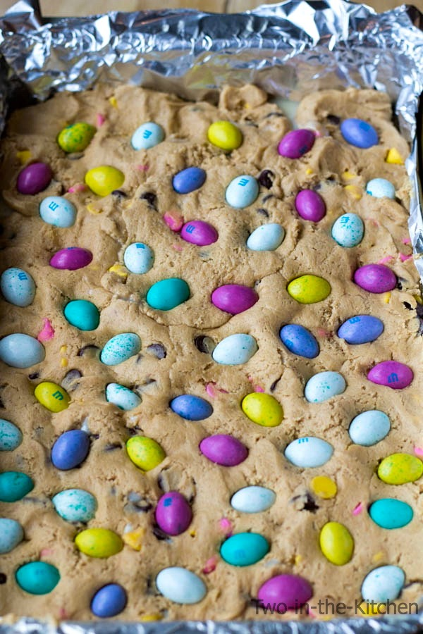 Peanut Butter Gooey Easter Bars Two in the Kitchen p