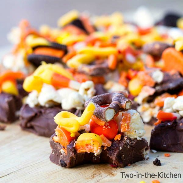 Halloween Candy Fudge Pizza  Two in the Kitchen v