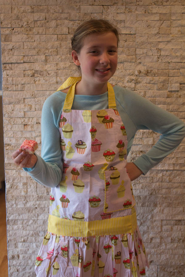 Elizabeth apron cookie | Two in the Kitchen