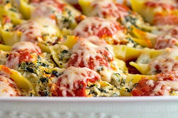 Sun Dried Tomato, Spinach, and Chicken Stuffed Shells