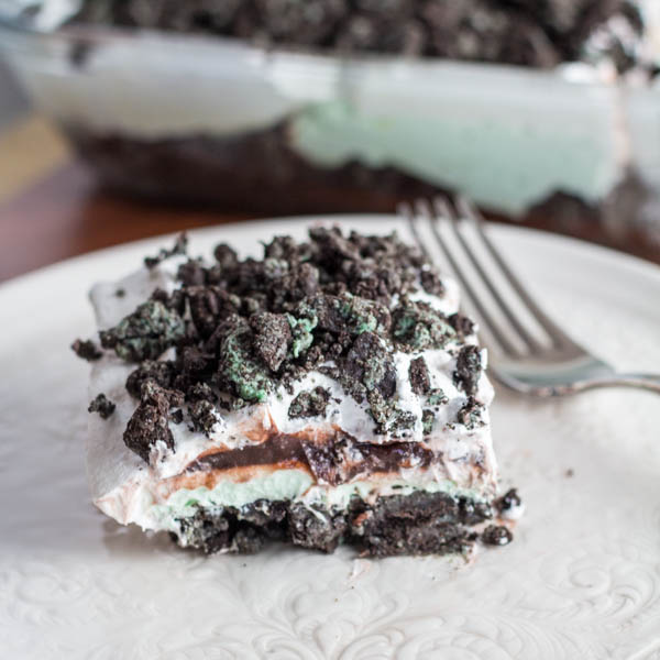 Mint Oreo Refridgerator Dessert | Two in the Kitchen cii