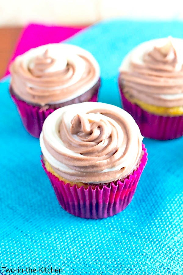 Chocolate and Vanilla Swirled Cupcakes  Two in the Kitchen vi
